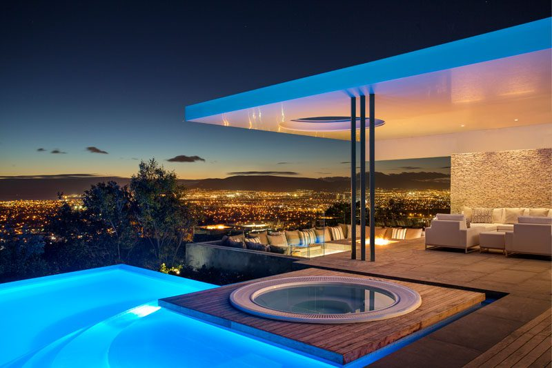 geometry of the City Villa with amazing views - Unconventional Homes: Case din beton cu design neașteptat