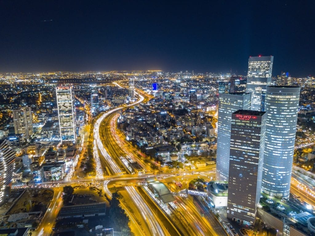 how to find a good real estate and tax lawyer in israel copy 1024x768 - Piața imobiliară din Israel: provocări și soluții